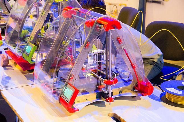 Jedna z drukarek 3D na stoisku ZMorph