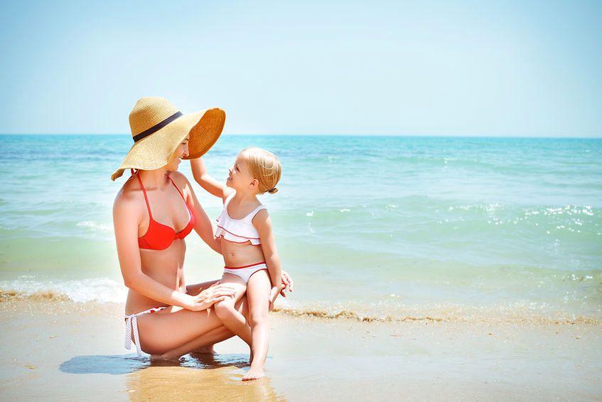 Podczas wypoczynku nad wodą, trzeba szczególnie chronić dziecko