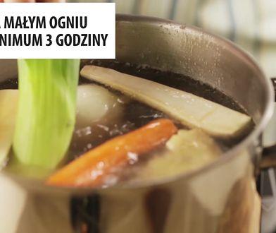 Drobiowy rosół w najprostszym przepisie. Sekret to czas gotowania