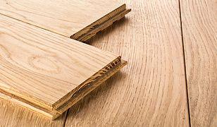 Panele czy deska trójwarstwowa – co wybrać?