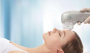 Mikrodermabrazja diamentowa oczyszcza i regeneruje skórę.