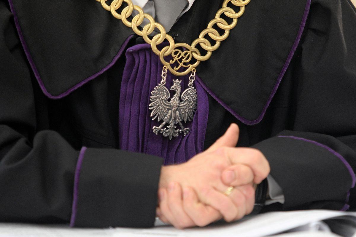 Afera w Krakowie. Nękał i ubliżał. Został prezesem sądu