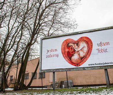 Trwa walka na pro - i antykościelne billboardy [ZDJĘCIA]