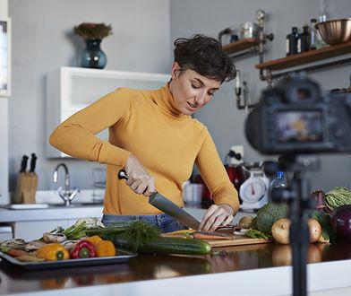 Dieta redukcyjna. Jakie są główne zasady, co jeść, a czego unikać? Poznaj sposób na zdrowe odżywianie