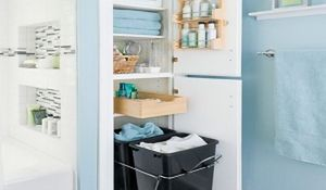 Projekt łazienki z miejscem na przechowywanie. Praktyczne schowki