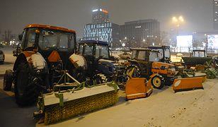 Pługi odśnieżające warszawskie ulice nie były tej zimy zbyt często w użyciu.