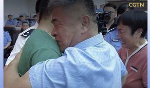 Chiny. Po 24 latach odnalazł syna
