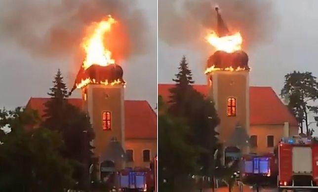 Ogień pojawił się w niedzielę nad ranem.