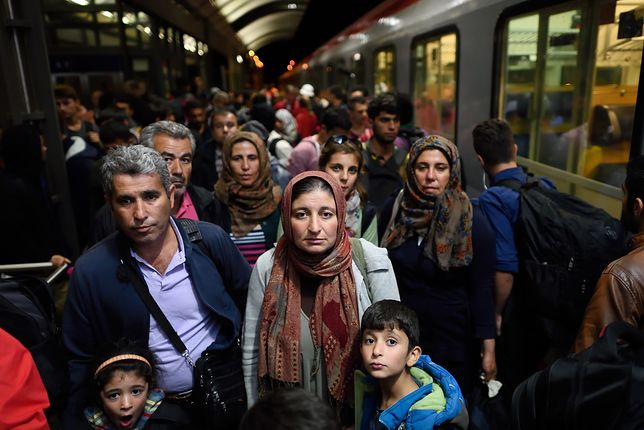 Niemcy. 1000 euro za status uchodźcy