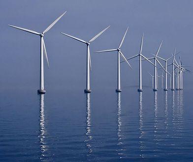 Farmy wiatrowe na morzu i lądzie. Pierwsze wiatraki na Bałtyku już za kilka lat