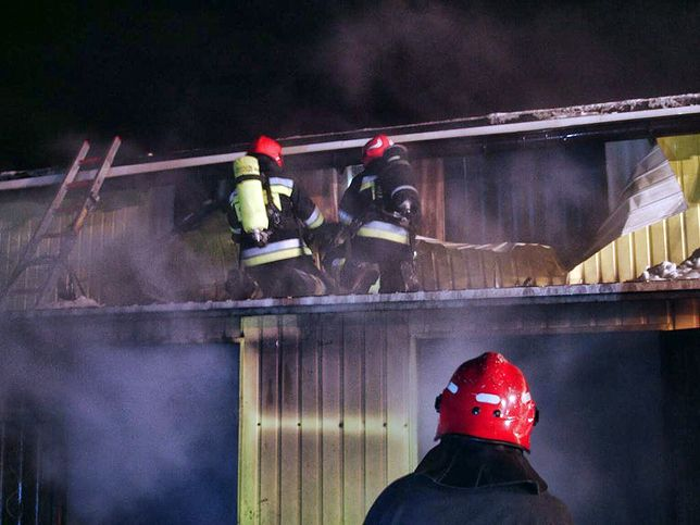 W Broniszach spłonęła hala targowa