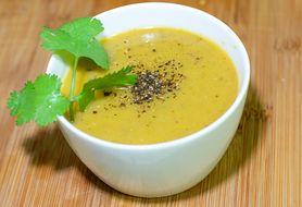 Przepyszna serowa zupa z dodatkiem makaronu