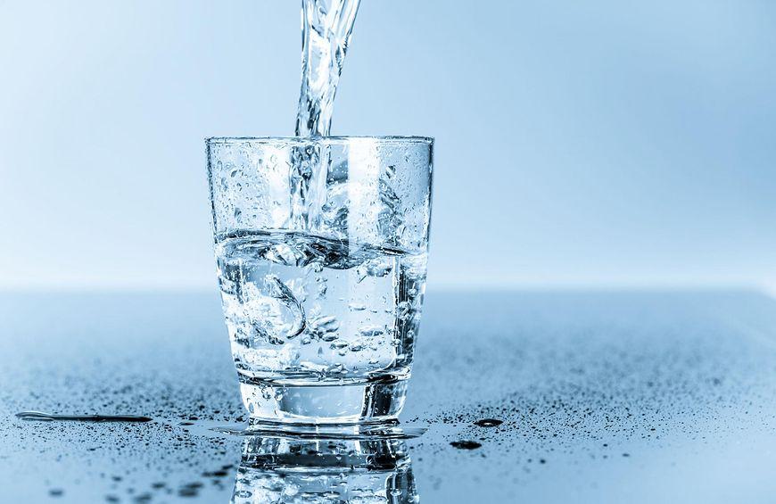 Woda i zioła w diecie
