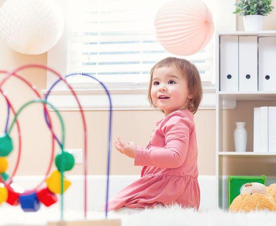 Jaki wpływ mają zabawki na rozwój dziecka?