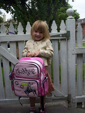 Ciężkie życie ucznia! Ile waży tornister i jaki ma to wpływ na kręgosłup dziecka?