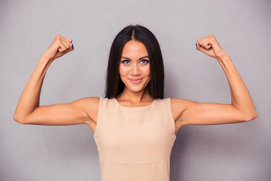 Tłuszcz na ramionach może być problemem ze zbyt niskim poziomem testosteronu