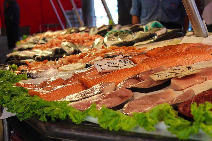 Ryby należą do produktów zarówno bardzo zdrowych, jak i niskokalorycznych