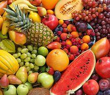 Owoce, które można jeść z pestkami. Mają cenne właściwości