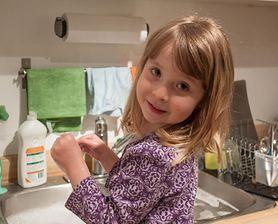 Jak zachęcić twoje dziecko do pomocy w domu?