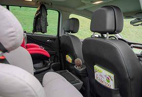 Jak możesz wykorzystać schowki w trakcie podróży z dzieckiem?