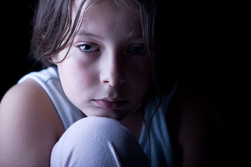 Te sygnały mogą świadczyć o tym, że dziecko doświadczyło molestowania seksualnego