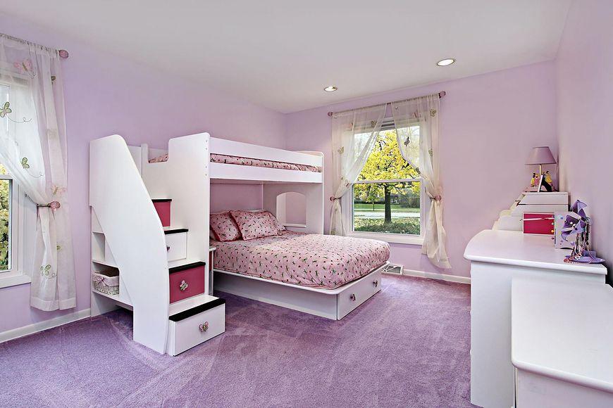 Pokój w odcieniach fioletu