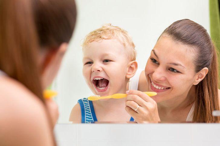 Produkty, dzięki którym twoje dziecko będzie miało białe zęby