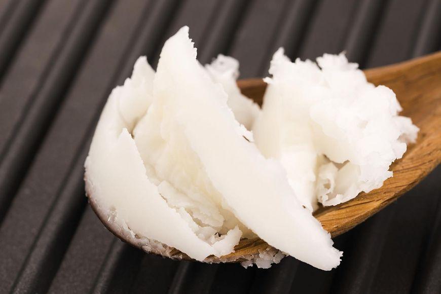 Olej kokosowy na opuchnięte powieki