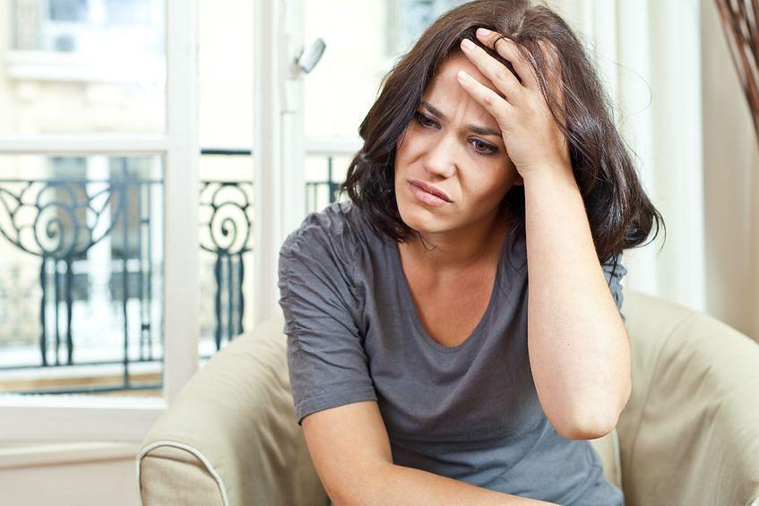 Ból głowy w pierwszych tygodniach ciąży to częsty objaw