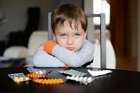 Mity na temat przeziębienia i grypy, w które wciąż wierzą rodzice