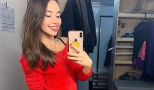 Dziewczyna Piotra Żyły wygina się w bieliźnie i goglach narciarskich