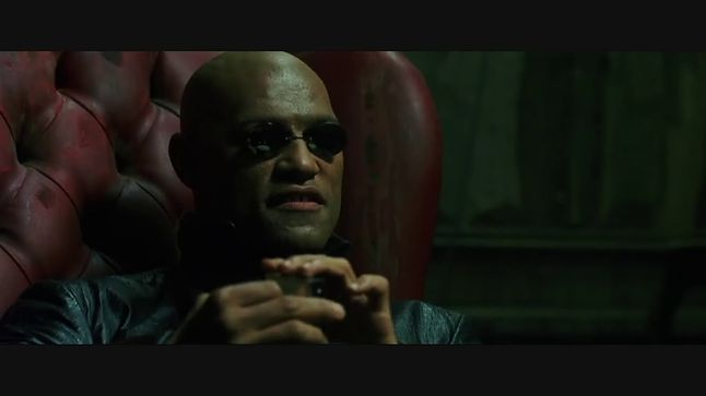 Atak Blue Pill, niczym pigułki z Matriksa, jest dość fantastyczny (fot. Warner Bros)