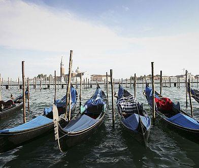 Koronawirus we Włoszech. Wioślarki z Wenecji dostarczają jedzenie seniorom