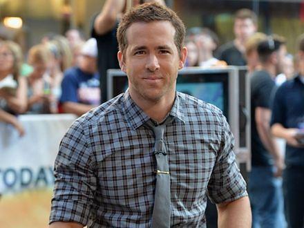 Ryan Reynolds kocha, więc poczeka