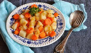 Kalarepka z marchewką. Pyszna jarzynka do obiadu
