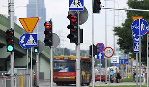 Pierwszeństwo na skrzyżowaniu nie takie oczywiste? Internauci mają wątpliwości