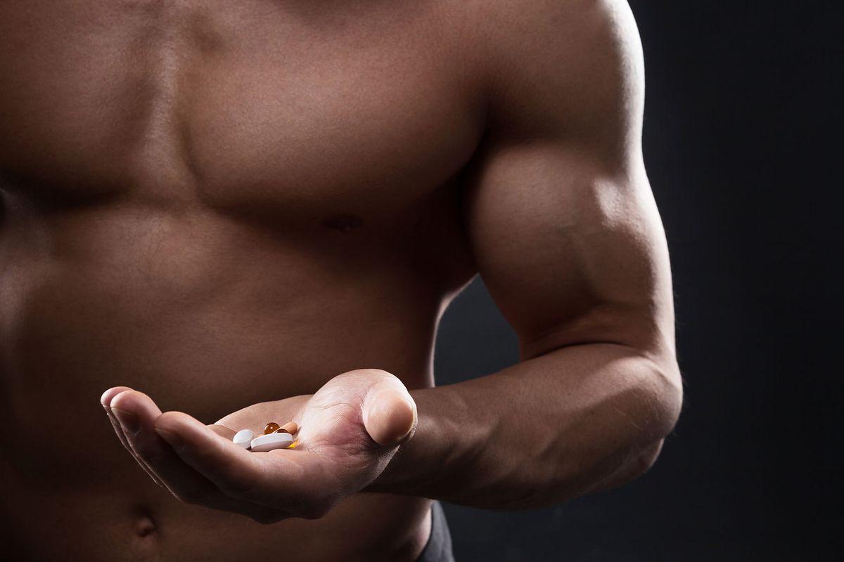 Czym są sterydy anaboliczne? Działanie i skutki uboczne anabolików