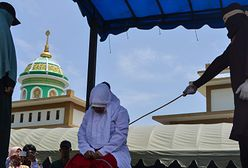 22 baty w Indonezji. Pobito pary za publiczne okazywanie uczuć