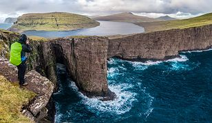 Wyspy Owcze to absolutnie wyjątkowe miejsce na mapie Europy. Niezwykłe krajobrazy to tylko jeden z powodów, dla których warto tam pojechać