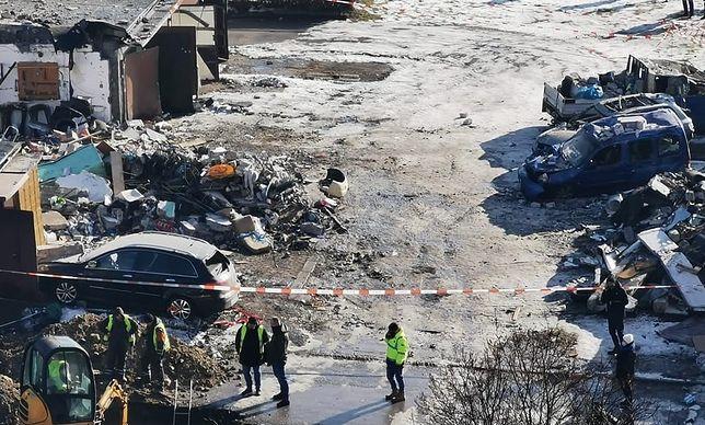Śląskie. W wybuchu gazu w Sosnowcu uszkodzonych zostało kilkanaście pojazdów i 7 garaży.