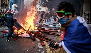 Paryż znów był świadkiem gwałtownych zajść protestujących z policją