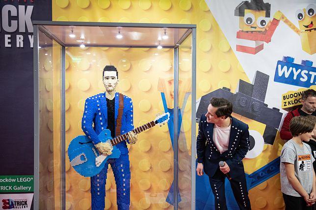 Warszawa. Krzysztof Zalewski podczas otwarcia wystawy klocków LEGO na PGE Narodowym, grudzień 2019 r.