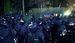 Warszawa. Policja na Żoliborzu. Pilnują Kaczyńskiego czy mieszkańców?