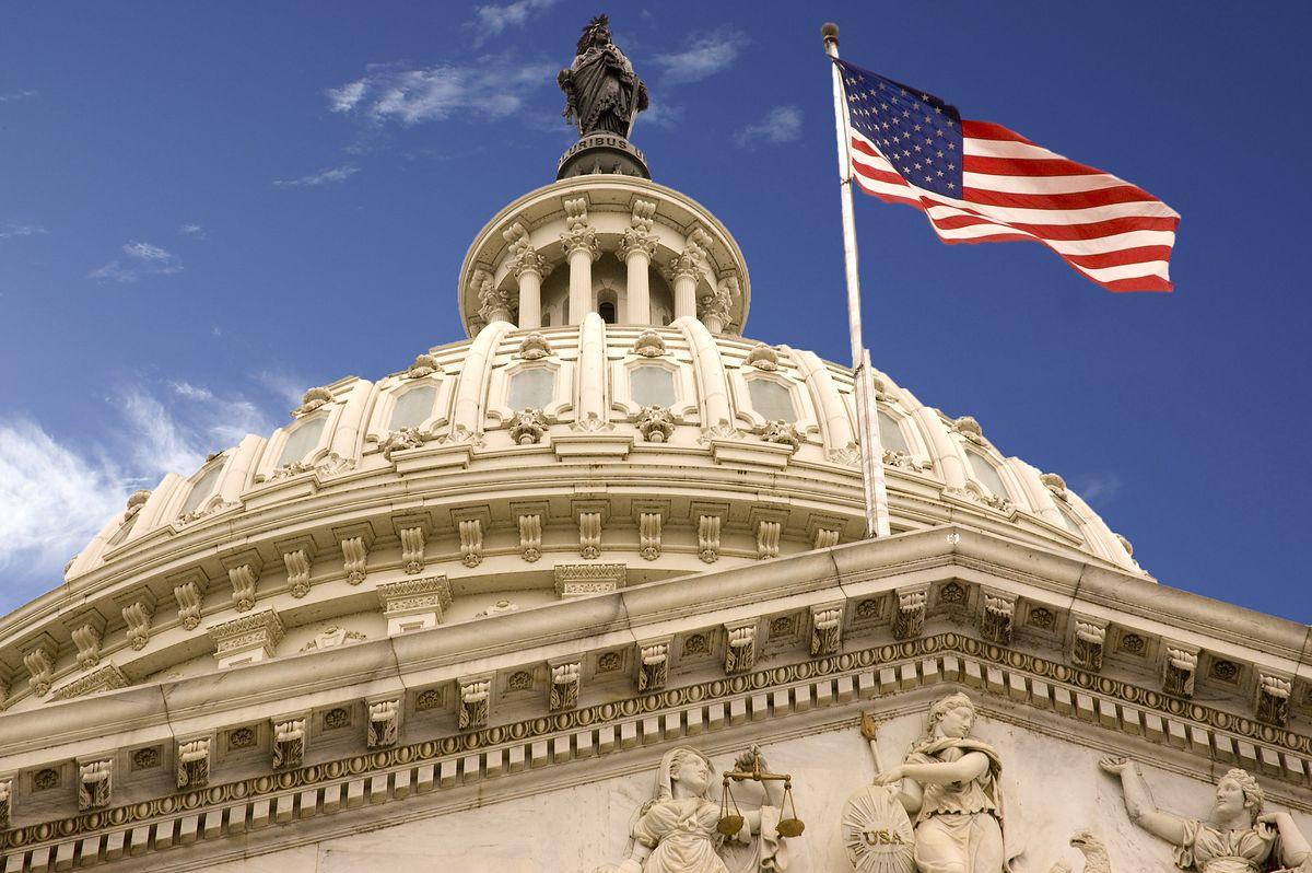Amerykańscy przedstawiciele Senatu piszą list do Andrzeja Dudy. Domagają się wycofania prawa restytucyjnego