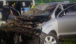 """Wypadek na autostradzie A1. Poszukiwani sami przyszli na policję. Tłumaczyli, że uciekli """"na stopa"""""""