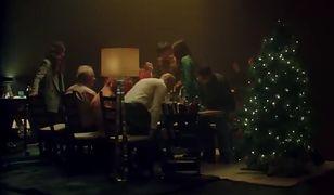"""IKEA nakręciła świąteczną reklamę. """"Czy my się znamy?"""" pokazuje smutną prawdę"""