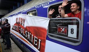 Uczestnicy wyjazdu do Budapesztu na dworcu Warszawa Centralna