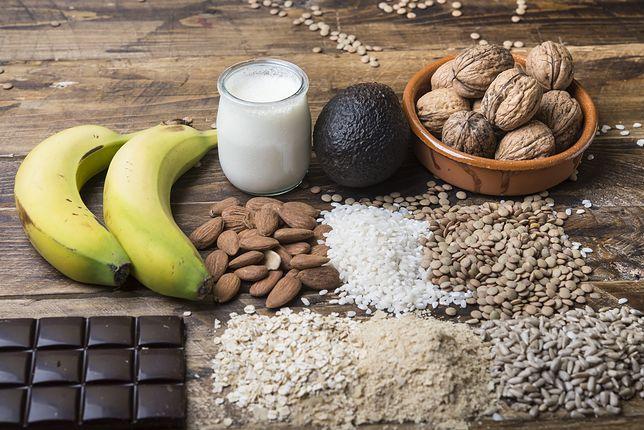 Orzechy, czekolada, a może lek? Tak zadbasz o właściwy poziom magnezu