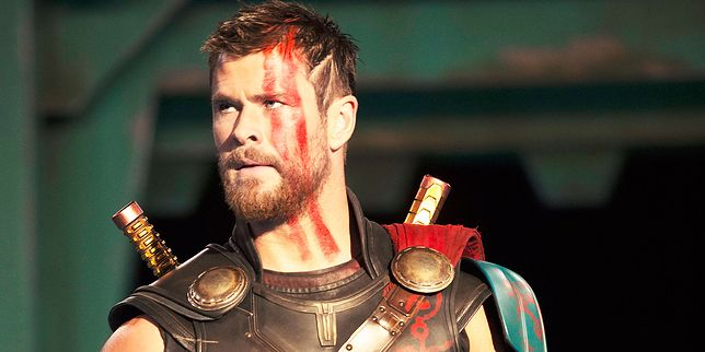 Chris Hemsworth jako syn Odyna