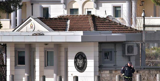 Zamachowiec spod ambasady zostawił list. Wiemy co napisał